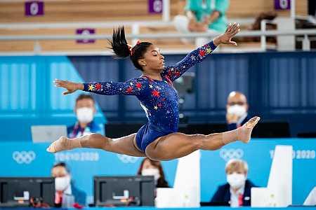 Simone Biles desiste da final individual geral da ginástica em Tóquio